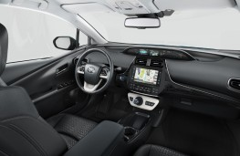 Toyota Prius Plug-In Hybrid, 2017, interior