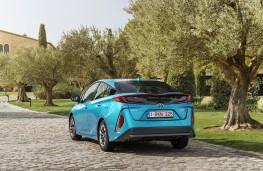 Toyota Prius Plug-In Hybrid, 2017, rear, static