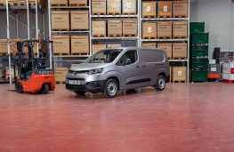 Toyota Proace City LWB, 2020, front