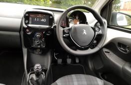 Peugeot 108 Allure VTi, cabin