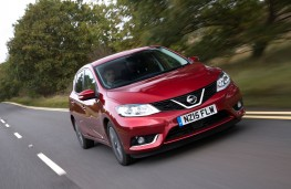 Nissan Pulsar, front, action