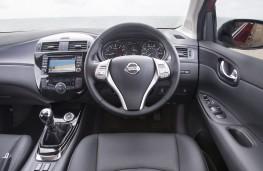 Nissan Pulsar, interior