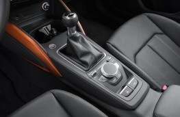 Audi Q2, console