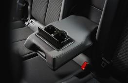 Audi Q3, 2019, rear armrest