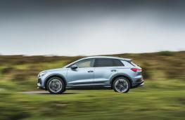 Audi Q4 e-tron Sport, 2021, side, action