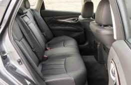 Infiniti Q70, interior