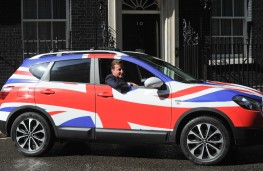 Nissan Qashqai, David Cameron at wheel