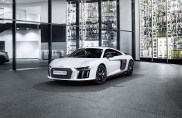 Audi R8 V10 plus selection 24h, front