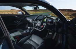 Audi R8 V10, 2019, interior