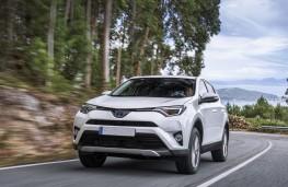 Toyota RAV4 Hybrid 2016, front, action