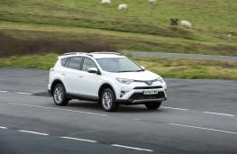 Toyota RAV4 Hybrid 2016, side, action