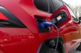 Toyota RAV4 Plug-in Hybrid, 2021, charging