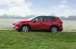 Toyota RAV4 Plug-in Hybrid, 2021, side, action