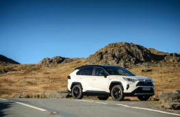 Toyota RAV4, 2019, side, static