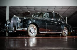 Sir Ray Davies' 1960 Bentley S2