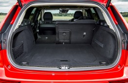 Volvo V60, 2018, boot, seat folded