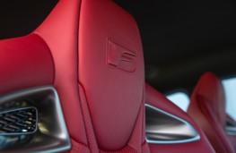 Lexus RC F, front seats