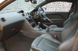 Peugeot RCZ GT interior