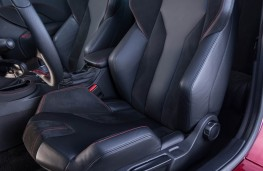 Peugeot RCZ R, seats