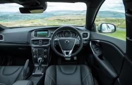 Volvo V40, 2016, R-Design, interior
