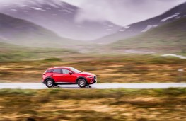 Mazda CX-3, 2017, side, action