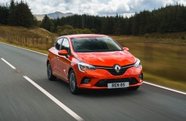 Renault Clio, front action 1