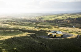 Renault Clio RS, scenic shot