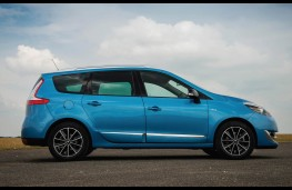 Renault Grand Scenic, side static