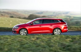 Renault Megane Sport Tourer, side action