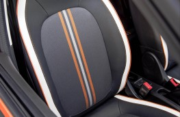 Renault Twingo GT, front seat