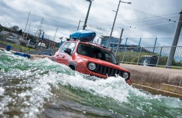 Jeep Renegade, white water rafting course