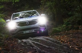 SsangYong Rexton, 2017, off road, mud, lights