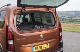 Peugeot Rifter, 2018, rear window