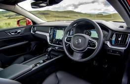 Volvo V60, 2018, interior