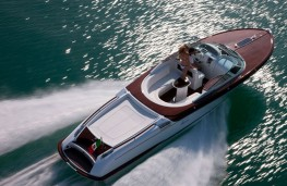 Riva Aquariva speed boat