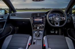 Volkswagen Golf R-Line, interior