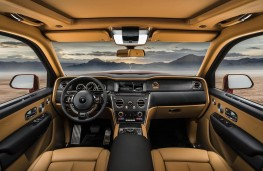 Rolls-Royce Cullinan cockpit