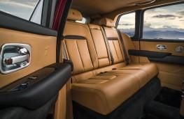 Rolls-Royce Cullinan rear lounge seat