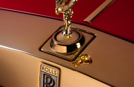 Rolls-Royce Phantom, golden Siprit of Ecstasy