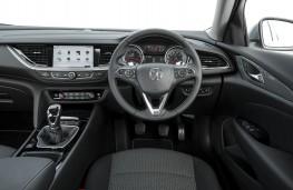 Vauxhall Insignia Grand Sport, 2017, dashboard