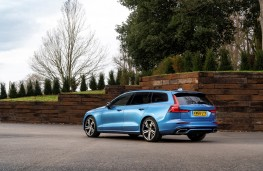 Volvo V60 R-Design, 2019, rear
