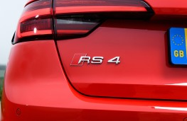 Audi RS4, 2018, badge