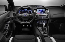 Ford Focus RS 2015, dashboard