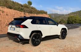 Toyota RAV4, 2019, rear, static