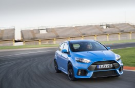 Ford Focus RS, track, front
