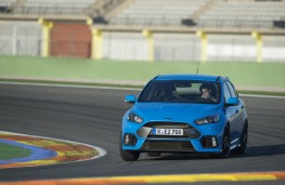 Ford Focus RS, track, front, action