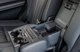 Lexus RX L, 2021, rear armrest