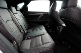 Lexus RX 450h, rear seats