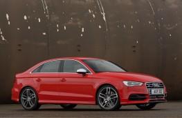 Audi S3 Saloon, Side