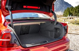 Volvo S60, 2019, boot